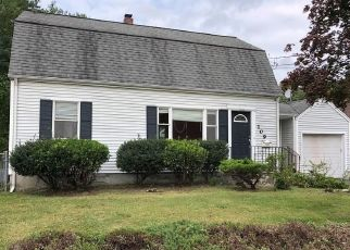 Foreclosed Home in Bridgeport 06610 EMERALD ST - Property ID: 4416761637