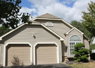 Foreclosed Home in Toms River 08755 FIELDCREST LN - Property ID: 4416784854