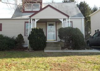Foreclosed Home in Trenton 08610 FETTER AVE - Property ID: 4416787922