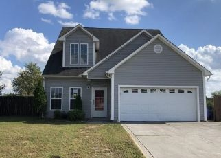 Foreclosed Home in Richlands 28574 AIRLEIGH PL - Property ID: 4416919292