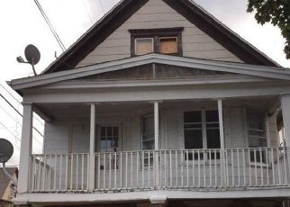 Foreclosed Home in Milwaukee 53215 S 19TH ST - Property ID: 4416964408