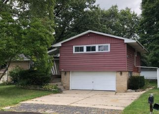 Foreclosed Home in Milwaukee 53223 N EDGEWORTH DR - Property ID: 4416968800