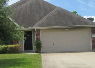 Foreclosed Home in Pearland 77581 DUBLIN LN - Property ID: 4417005135
