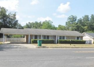 Foreclosed Home in Overton 75684 E HENDERSON ST - Property ID: 4417014787