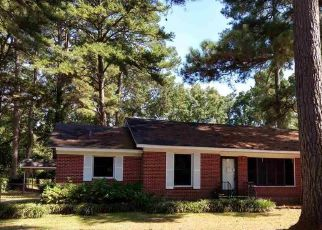Foreclosed Home in Marshall 75672 BROWNRIGG AVE - Property ID: 4417029678