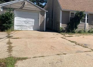 Foreclosed Home in Centereach 11720 NOEL DR - Property ID: 4417059453