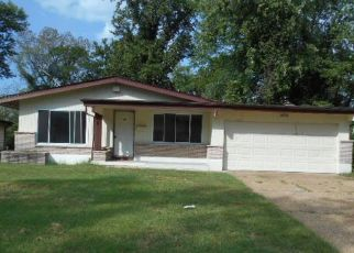 Foreclosed Home in Saint Louis 63136 PANNELL DR - Property ID: 4417073916