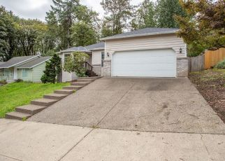 Foreclosed Home in Oregon City 97045 WAKE ROBIN CIR - Property ID: 4417105888