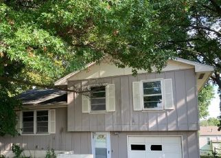 Foreclosed Home in Lexington 64067 OAKDALE DR - Property ID: 4417177713