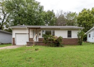Foreclosed Home in Springfield 65802 N SHERMAN AVE - Property ID: 4417179903