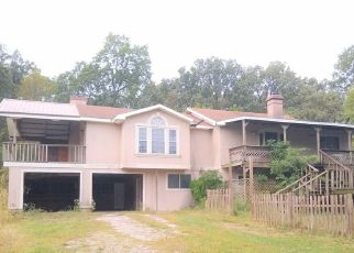 Foreclosed Home in Cassville 65625 PRIVATE ROAD 1065 - Property ID: 4417184265