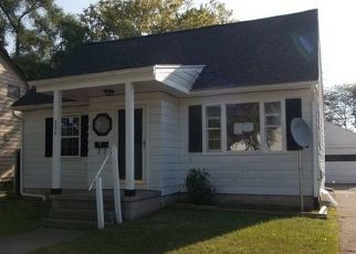 Foreclosed Home in Saginaw 48602 LARCH ST - Property ID: 4417224117