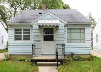 Foreclosed Home in Saginaw 48602 AVON ST - Property ID: 4417231126