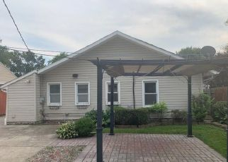 Foreclosed Home in Saint Clair Shores 48082 BEVERLY ST - Property ID: 4417236841