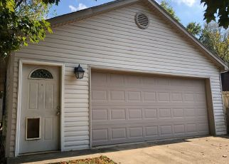 Foreclosed Home in Crestwood 40014 AUTUMN BENT WAY - Property ID: 4417295975