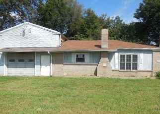 Foreclosed Home in Richland 47634 W ADAMS ST - Property ID: 4417302524