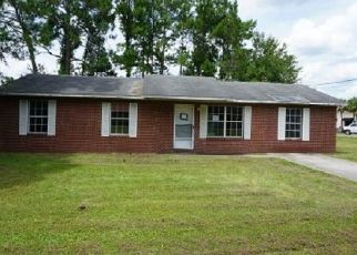 Foreclosed Home in Lake City 32025 SW JUDY GLN - Property ID: 4417357266
