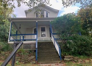 Foreclosed Home in Coraopolis 15108 HILAND AVE - Property ID: 4417404126