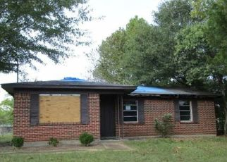 Foreclosed Home in Demopolis 36732 EASTERN CIR - Property ID: 4417417719
