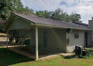 Foreclosed Home in Anniston 36201 MARTIN LUTHER KING DR - Property ID: 4417423410