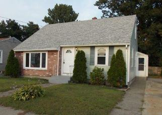 Foreclosed Home in Pawtucket 02860 RHODE ISLAND AVE - Property ID: 4417603415