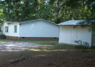 Foreclosed Home in Gloucester 23061 HICKORY KNOLL RD - Property ID: 4417631895