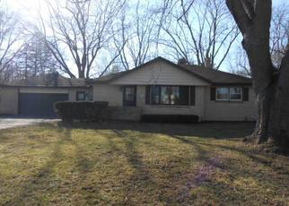 Foreclosed Home in Oak Creek 53154 S NICHOLSON RD - Property ID: 4417722100