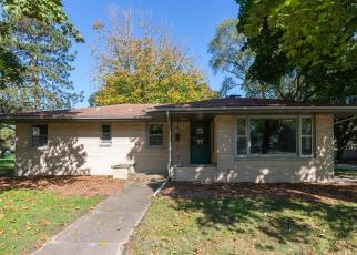 Foreclosed Home in Rockford 61101 SUNNYSIDE AVE - Property ID: 4417729104