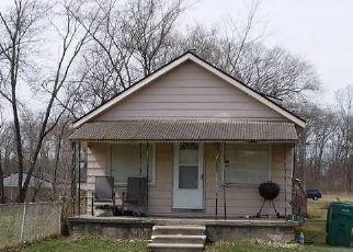 Foreclosed Home in Romulus 48174 MOORE ST - Property ID: 4417739180