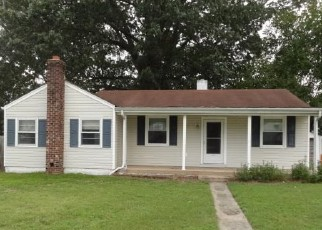Foreclosed Home in Portsmouth 23701 SMITH AVE - Property ID: 4417751902