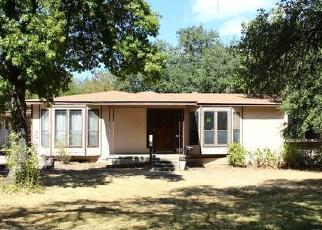 Foreclosed Home in San Antonio 78201 GREENLAWN DR - Property ID: 4417799633