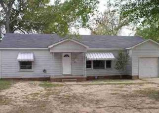 Foreclosed Home in Longview 75602 HARMON DR - Property ID: 4417825471