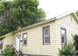 Foreclosed Home in Syracuse 13203 OAK ST - Property ID: 4417887663