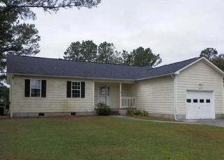 Foreclosed Home in Hubert 28539 RIGGS RD - Property ID: 4417932326