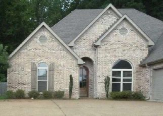 Foreclosed Home in Brandon 39042 JULEE CIR - Property ID: 4417990137