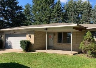 Foreclosed Home in Fowlerville 48836 SARGENT RD - Property ID: 4418028694