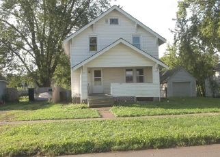 Foreclosed Home in Marshalltown 50158 MAY ST - Property ID: 4418121991