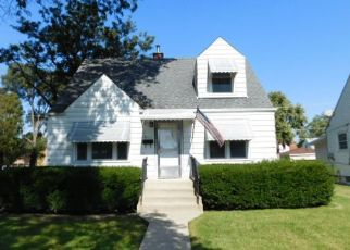 Foreclosed Home in Chicago 60652 W 85TH PL - Property ID: 4418129415