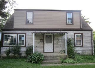 Foreclosed Home in Melrose Park 60164 WAGNER DR - Property ID: 4418134685