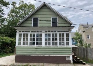 Foreclosed Home in Hartford 06114 BLISS ST - Property ID: 4418150894