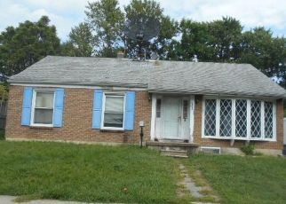 Foreclosed Home in Darby 19023 PERSHING AVE - Property ID: 4418181543