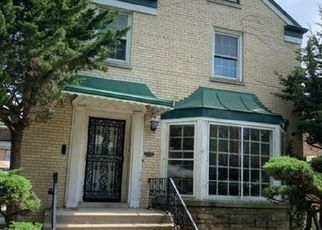Foreclosed Home in Chicago 60620 S JUSTINE ST - Property ID: 4418273967