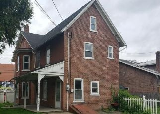 Foreclosed Home in Allentown 18103 W WYOMING ST - Property ID: 4418373374