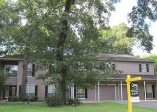 Foreclosed Home in Huffman 77336 COMMONS OAKS DR - Property ID: 4418387836