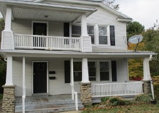 Foreclosed Home in Waterbury 06710 HERKIMER ST - Property ID: 4418550310