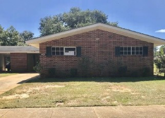 Foreclosed Home in Albany 31705 OWENS AVE - Property ID: 4418609891