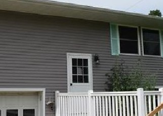 Foreclosed Home in Vandalia 62471 BOW DR - Property ID: 4418652806