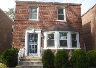 Foreclosed Home in Chicago 60619 S CALUMET AVE - Property ID: 4418679518
