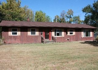 Foreclosed Home in New Albany 47150 OLIVE ST - Property ID: 4418689142