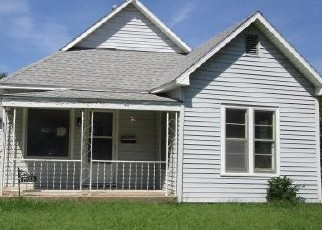 Foreclosed Home in Wichita 67203 N WOODLAND AVE - Property ID: 4418710168